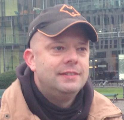 Nazi bei den Refugee Protesten am Brandenburger Tor